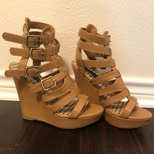 Adorable wedges ~ NEVER BEEN WORN ~